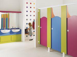 Туалетная перегородка, туалетная кабинки с учетом потребностей детей